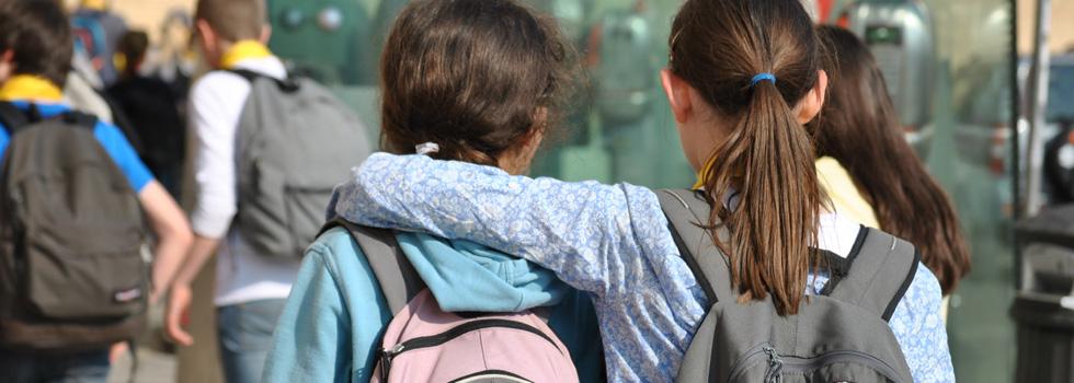 deux élèves amis au collège